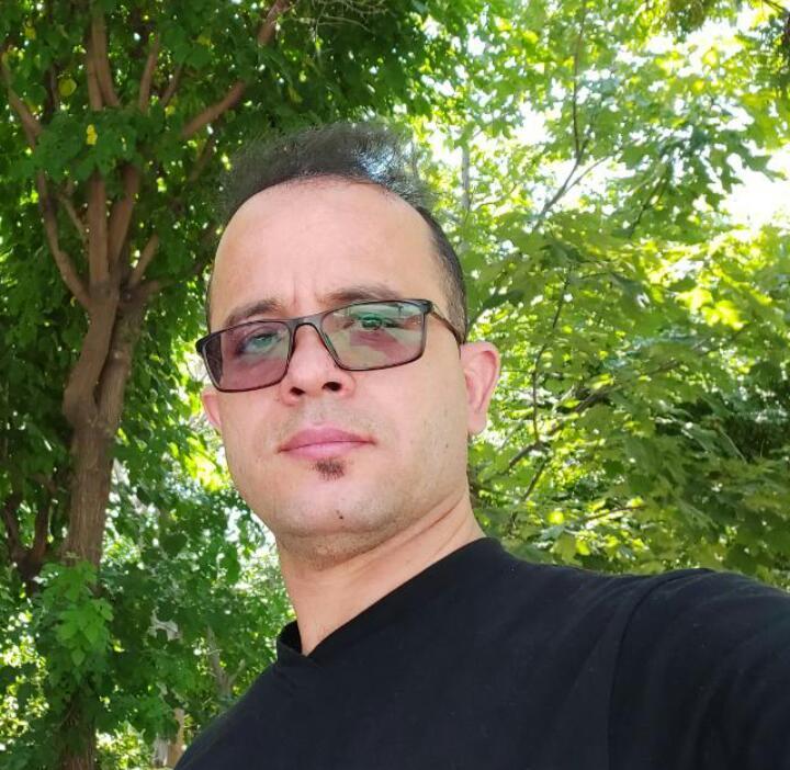 حسین شریفی پور
